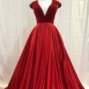 Jovani Couture Open Back Ballgown Size 4